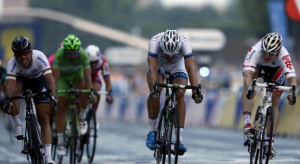 Tour de France 2013 (21eme étape : Versailles / Paris - Champs Elysées) : Marcel Kittel remporte la victoire et confirme qu'il est bien le meilleur sprinteur de ce Tour...
