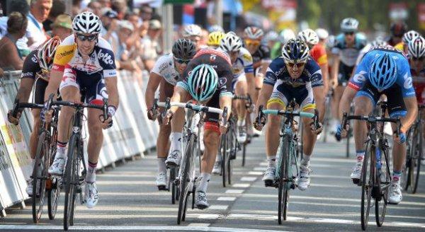 Tour de Wallonie 2013 (4eme étape Andenne / Clabecq) : Victoire de Dehaes au sprint...