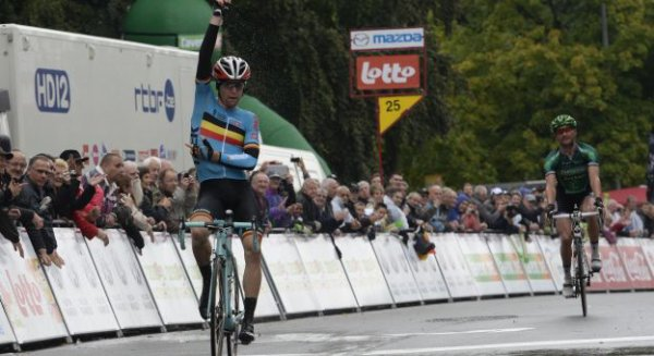 Grand Prix de Wallonie 2013 : Jan Bakelants s'impose en haut de la Citadelle...