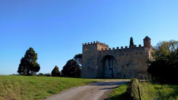 Château de Montmoirac à Saint-Christol les Alès (Gard)
