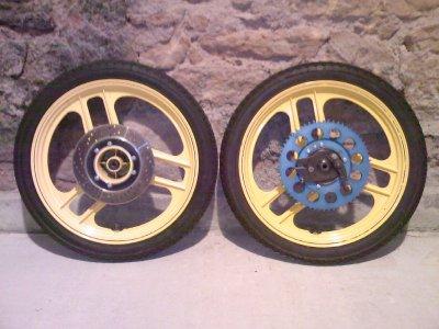 Jantes de mon CF 88 + pneus M38