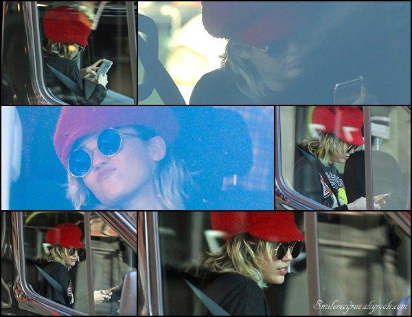 Ce 1 mars 2016, Miley a été repéré arrivant sur le plateau pour commencer le tournage de la nouvelle série de productions Woody Allen Amazon TV à New York City.Comme vous le savez Miley sera l'un des principaux personnages de la série avec Woody Allen et Elaine May.
