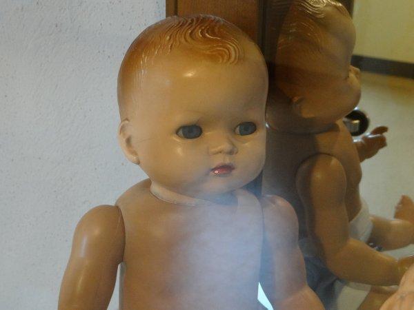 Etain: salon de la poupée