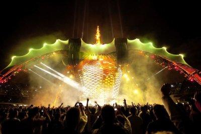 U2//360° TOUR//2009 - 2011