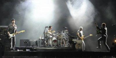 U2//360 TOUR//2011 MONTREAL HIPPODROME 8 JUILLET 2011