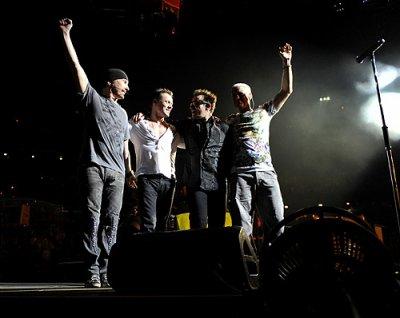 U2//360° TOUR//2009-2011