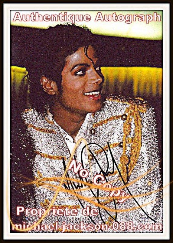 Autographe Costume doré Or et Argent .