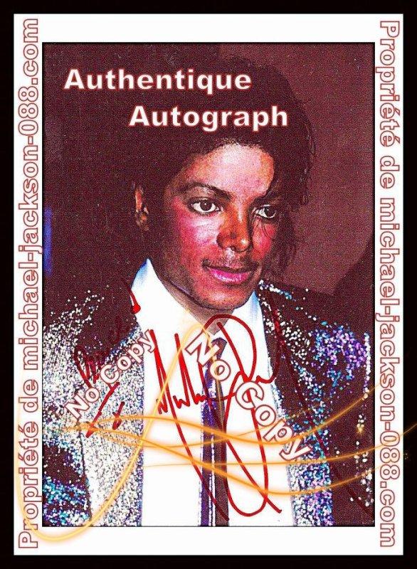 Autographe Costume Bleu et Argent .