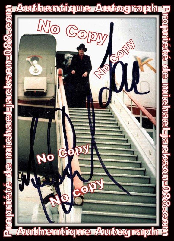 """Magnifique et Authentique Autographe de Michael Jackson dédicacé en 1997 """" début d'année """" durant le History-World-Tour !!!"""