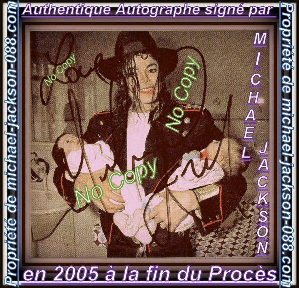Authentique Autographe Signé par Michael Jackson en 2005 à la fin du Procès sur une Page de Magazine !!! :