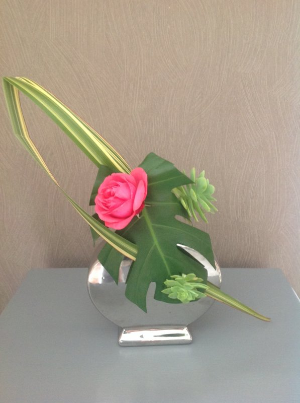 Compo du jour avec quelque rose du jardin