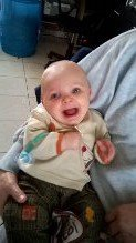 voila notre fils il a 8 mois