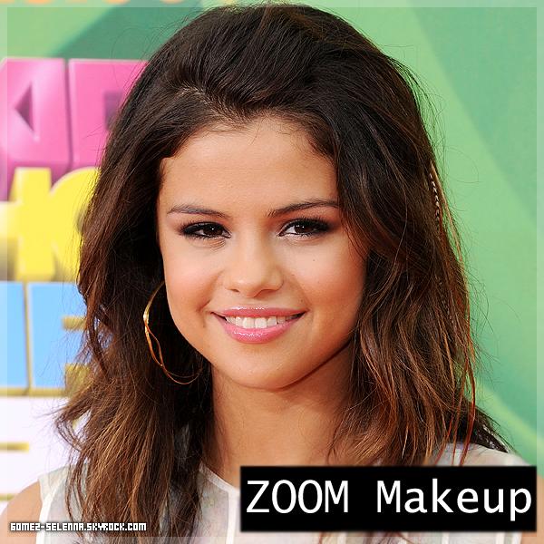 > Appareance : Selena au Kids Choice Awards le o2 Avril , elle était ravissante Avec ce maquillage  . J'ai trouvée sa tenue très originale , et une Selly splendide , comme ont a l'habitude de la voir . Ton avis sur cet événement ? ( Les photos arrivent plus tard )