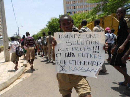 Menace sur la rentré scolaire 2013-2014:  Le pouvoir togolais dans sa logique de duplicité et de mauvaise foi