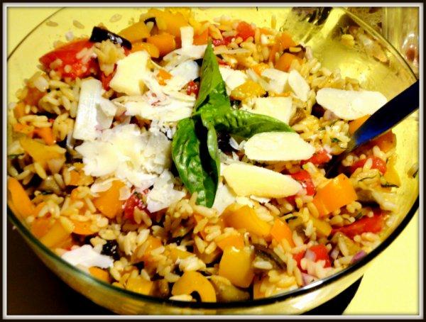 Salade de riz et légumes du soleil