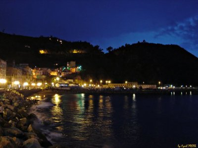Ma ville en nuit ( Corniche ) <3