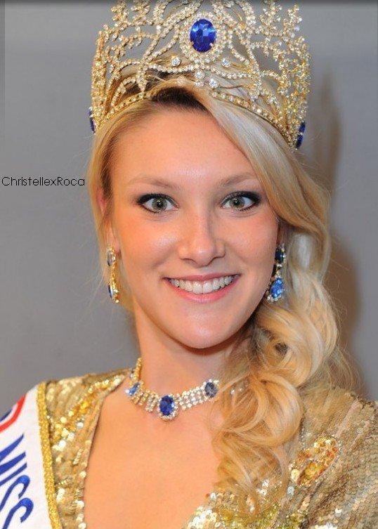 19.03.12 → Christelle était au Salon de la Franchise accompagnée de Geneviève de Fontenay.