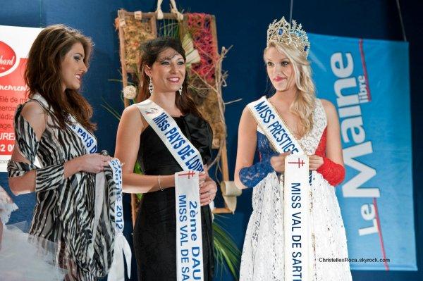30.03.12 → Christelle était à l'élection de Miss Val de Sarthe 2012 qui est Julie Renault.