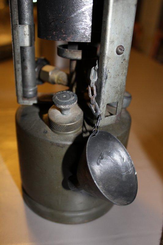 """Réchaud Coleman modèle 520 """"military"""" de 1944 1/2"""